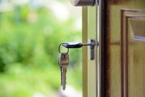 You need to know how to protect your right to the security deposit so you can avoid damage, broken leases and nonpayment.