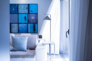 Image of a modernly furnished room