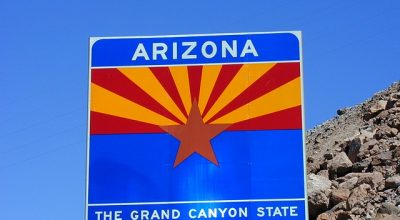 A sign welcoming to best places for families moving to Arizona