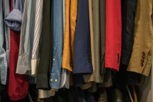 hang clothes on rack