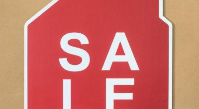 organize a garage sale sign
