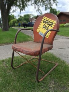 A sign for a garage sale