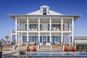 A beautiful house with the pool you should consider when buying your first house in Texas.