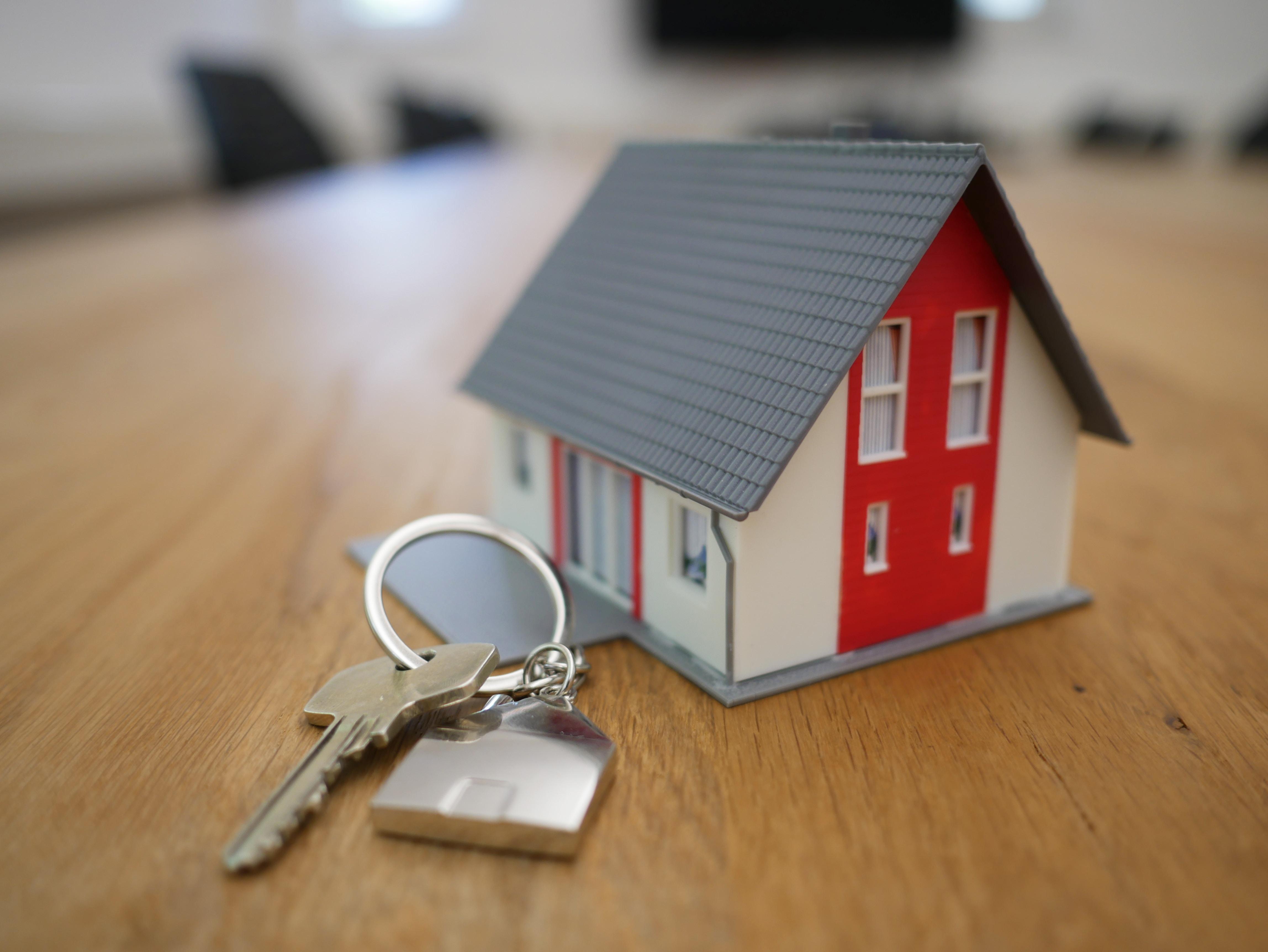 A house keyring.