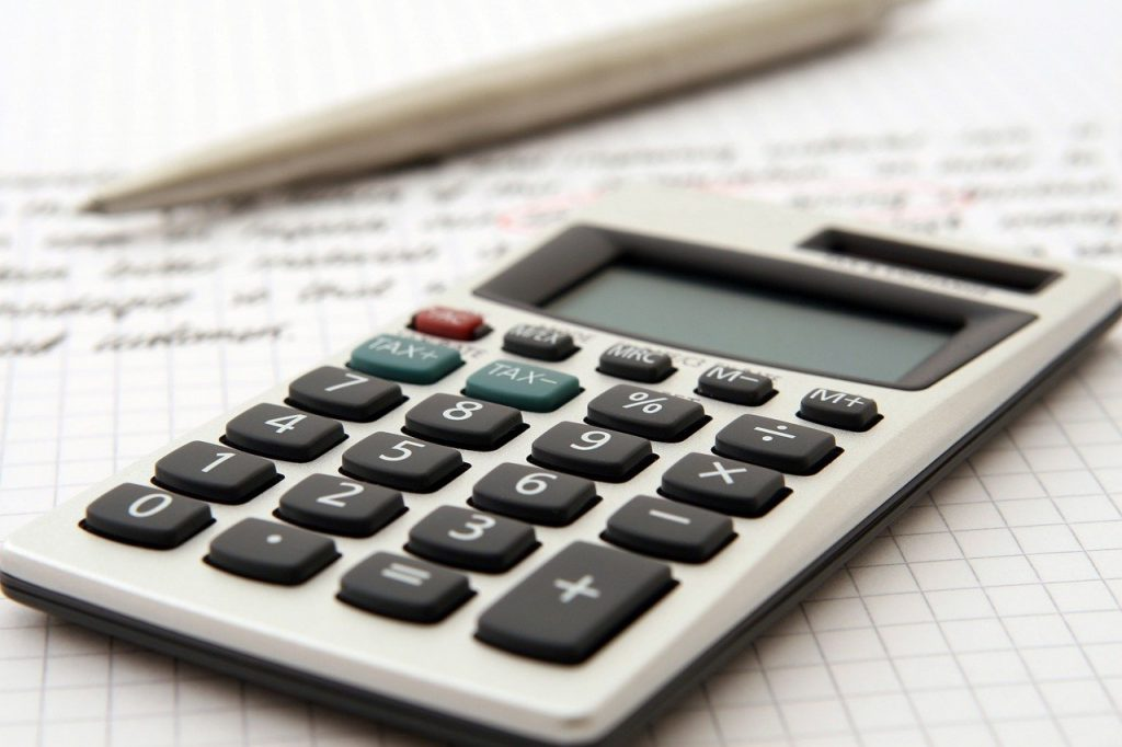 A calculator you can use to calculate the costs when buying a home with a guest house.