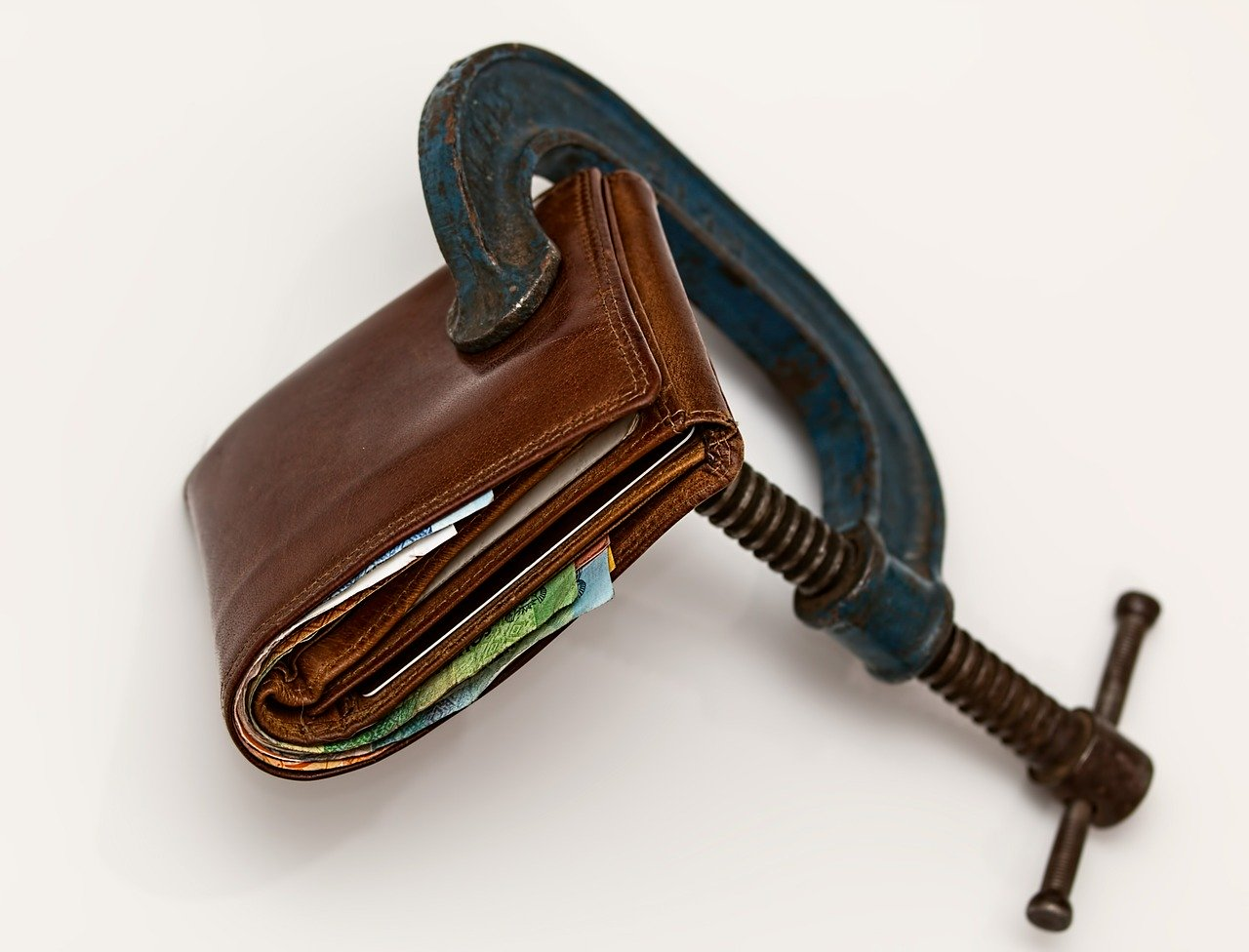 Wallet tightly closed