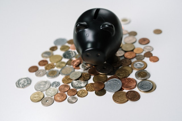 Cheaply personalize your new rental home with the help of a piggy bank!