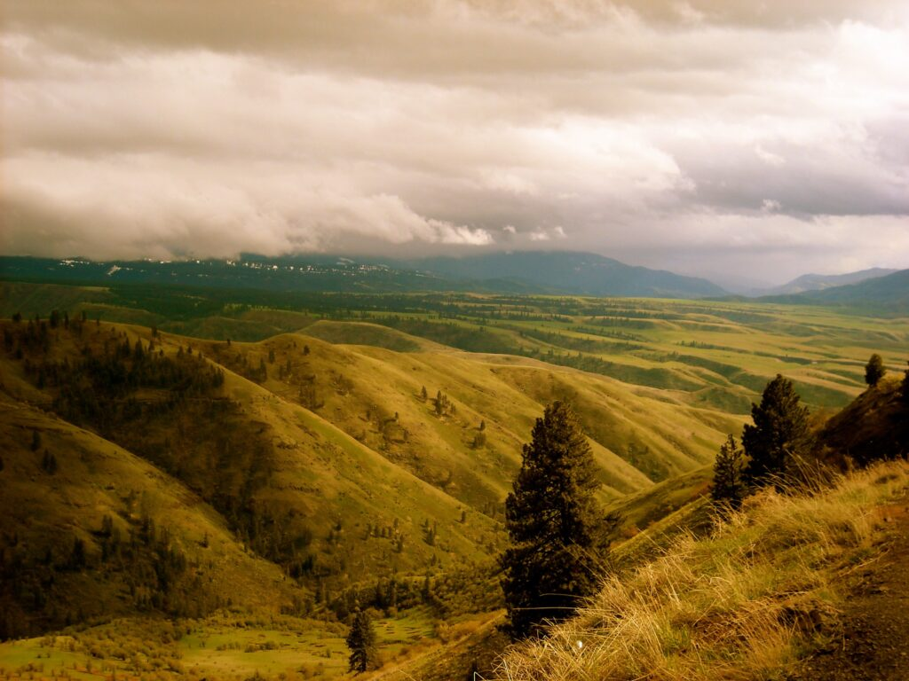 Beautiful view of mountins and nature of Idaho cities for low to middle-income households