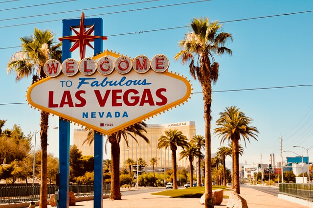 Las Vegas sign that makes you think about hiring local movers in Vegas