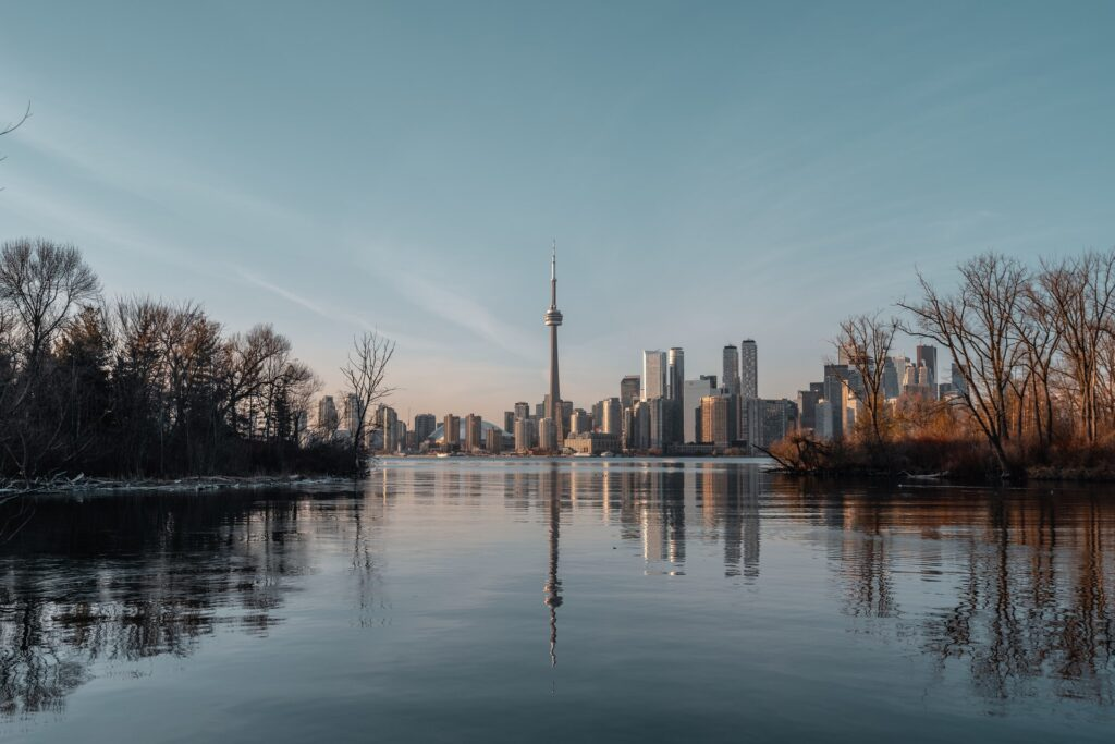 an image of Toronto, a pace you should consider when buying a house in Ontario
