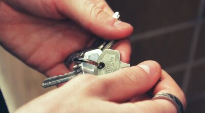 Keys - To get to the keys of an apartment, you need to learn how renting an apartment in Upper West Side works.